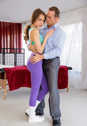 Nice-looking masseuse in leggings Riley Reid quickly seduces muscled dude for a get down and dirty