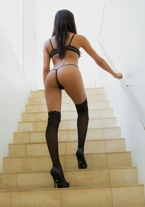 Indulgent Latina appreciate trusted stepbrother and additionally allowed him to take naked pictures