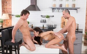 Worship has 3-way sex making guys profusely cum on her face in the kitchen