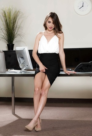 Fella films exgf with no breasts wanking naked pussy in the office